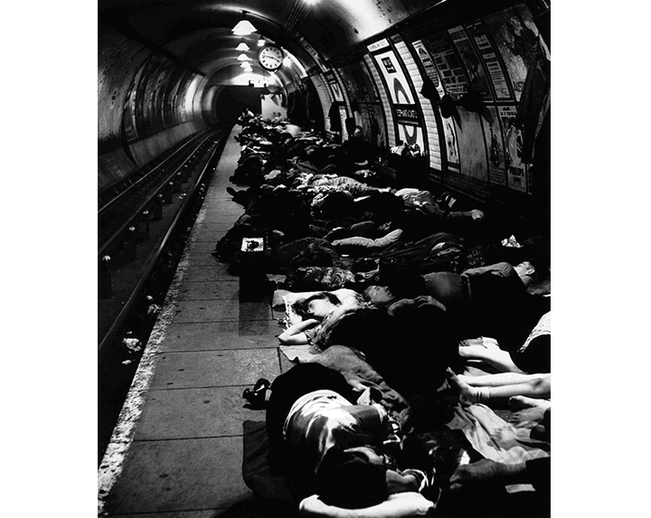 Bill Brandt Estación de metro de Elephant and Castle