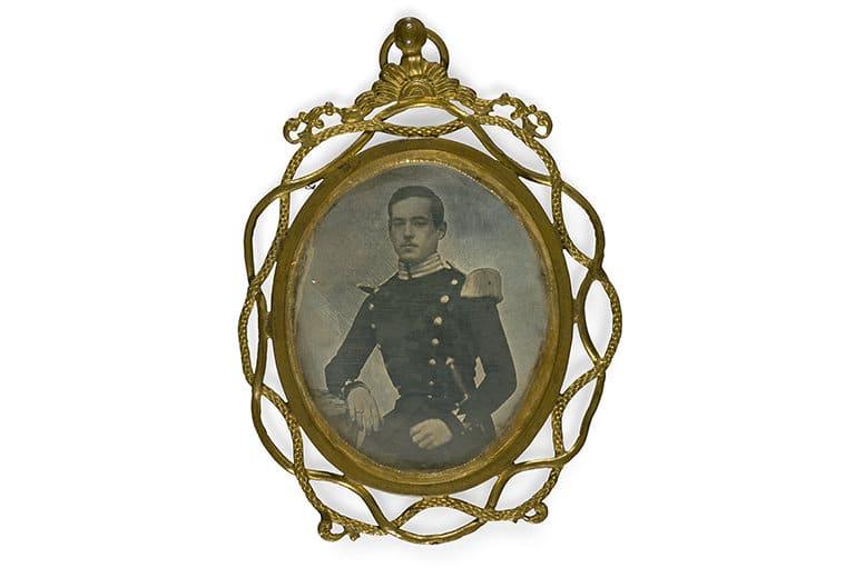 Unknown Maker Portrait of a Man, c.1840-1860 Daguerreotype (Jewelry), 4x5 cm CRDI. Ángel Fuentes de Cía Collection